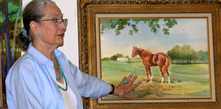 In 1979 Artist Kay Smith spent two weeks with Secretariat to do a painting of him.